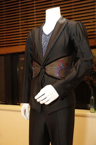 勇利衣装1