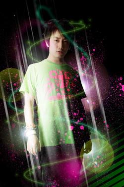 DJ SHIMAMURA 最新アー写