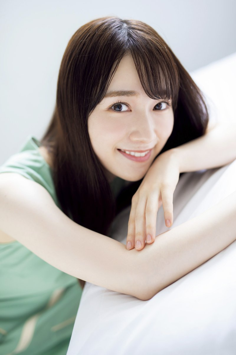 【櫻坂46】守屋麗奈(21)、ミニスカ姿でボディーラインあらわ!
