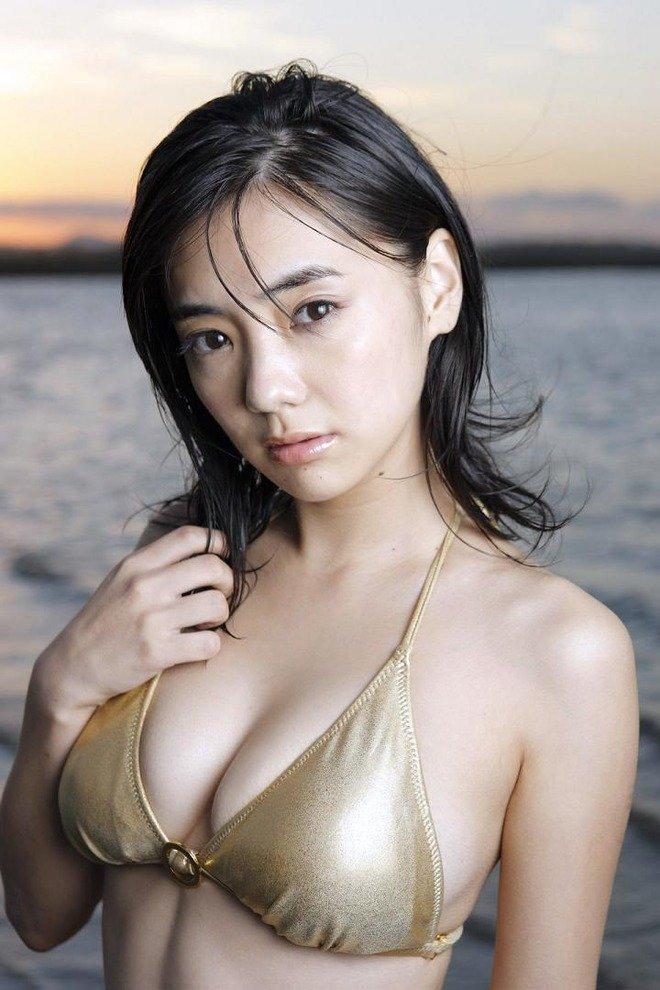 【女優】倉科カナ(33)、最新お〇ぱいの揺れがたまらんw