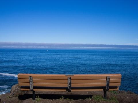 bench-1062446_960_720[1]