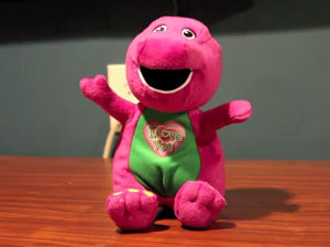 完全アウトな歌うバーニー人形