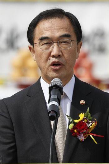【韓国】日本は「重要パートナー」 韓国統一相、経済協力で期待[05/18]