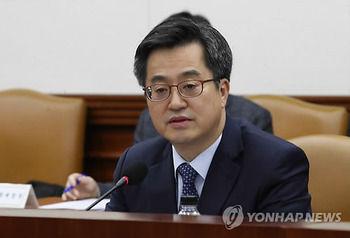 【韓国副首相】 IMFと世界銀行に「北朝鮮の改革開放に積極的役割を」 [10/14]