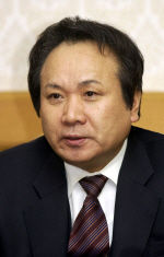【韓国】<コラム>日本の光復・・・「日本の首相が少女像の前で懺悔して跪く日、日本はようやく良心の自由を得られる」[08/13]