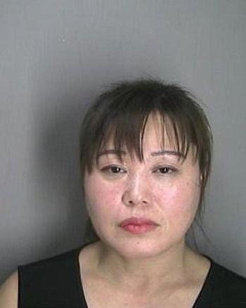 【米国】違法マッサージ容疑で韓人(コリアン)の女2人逮捕(写真あります)[01/13]