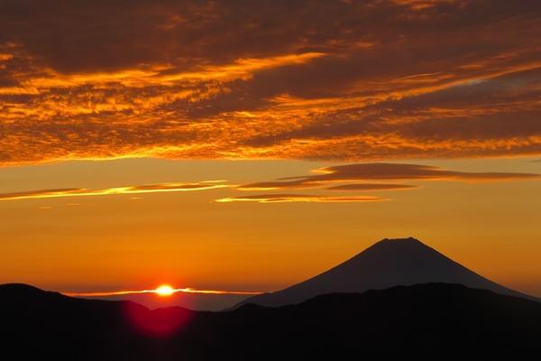 IMG_3320輝く日ノ出と富士山