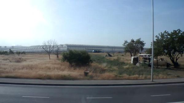 アルメニアP6061121_巨大ハウス団地 アルメニア首都エレバン郊外