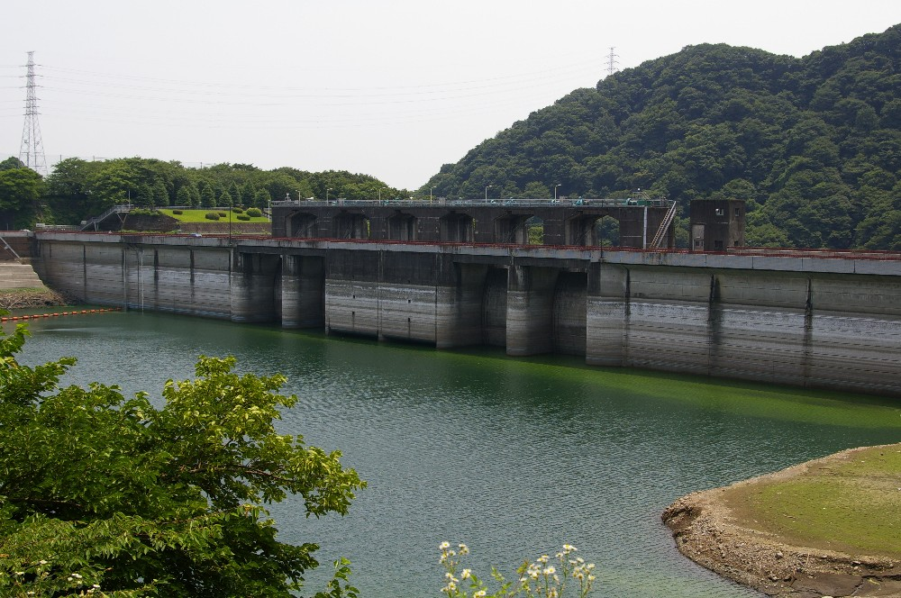 gijutunohiroba ダムの名称は城山ダムである。 戦国時代の山城、津久井城跡の...