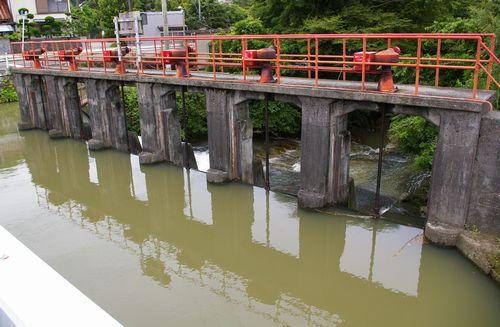 稲村の堰1