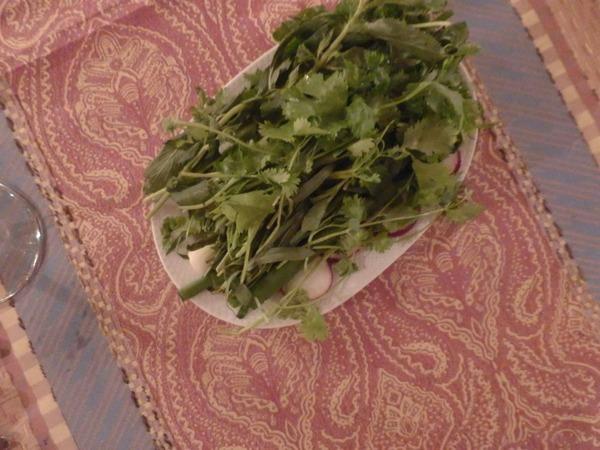 P6010217 香草 サラダのようによく出される アゼルバイジャン