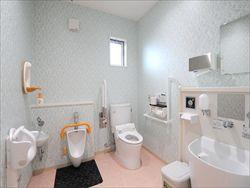 こどもクリニック_みんなのトイレ