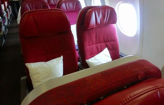 mu70-seats1