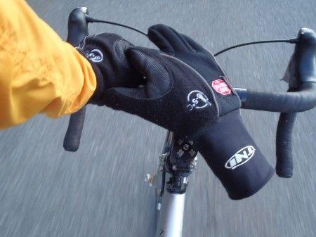 男鹿半島の朝は寒いけど、まだまだ自転車乗るよ!