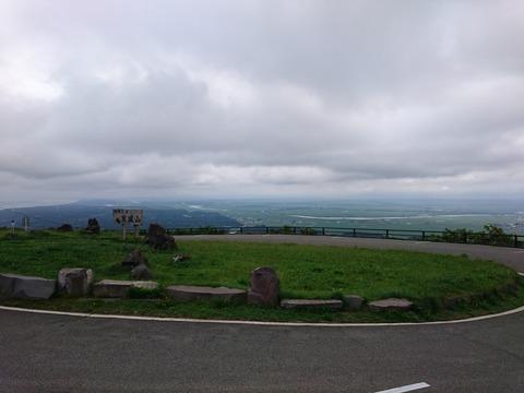 「干拓」された八郎湖を寒風山から望む(自転車で)