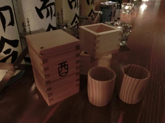 日本酒バー 螢の香 honoca  枡のお銚子は秋田杉。お猪口も!!コメントトラックバック