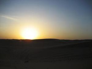 ドバイ砂漠の夕日