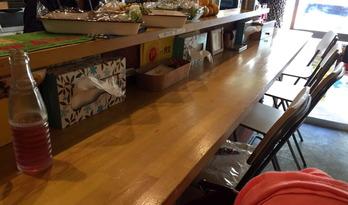 朝カラ食堂 カウンター