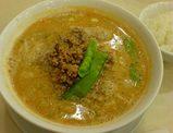 銀座松坂屋 赤坂飯店の坦々麺(辛さひかえめ)