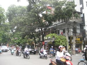 ハノイ 道路