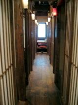 越後屋八十吉 2階通路