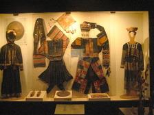 ベトナム美術博物館 衣装1