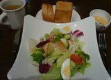 BEER DINING LION 汐留店のコブサラダランチ
