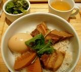 銀座 カフェランチ 634(むさし)角煮丼2