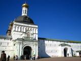 トロイツェ・セルギエフ大修道院城壁