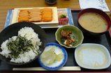 築地市場・場外の鈴木水産・生ウニ定食