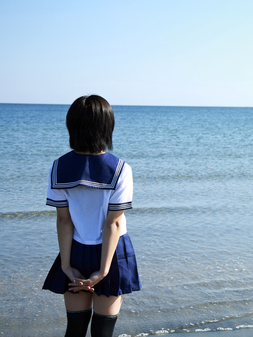 女子学生-image-01