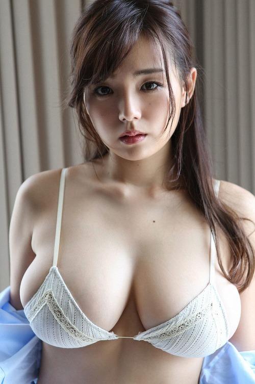 【篠崎愛】最近、胸が軟らかくなって イヤなんです‥【おっぱい天使】