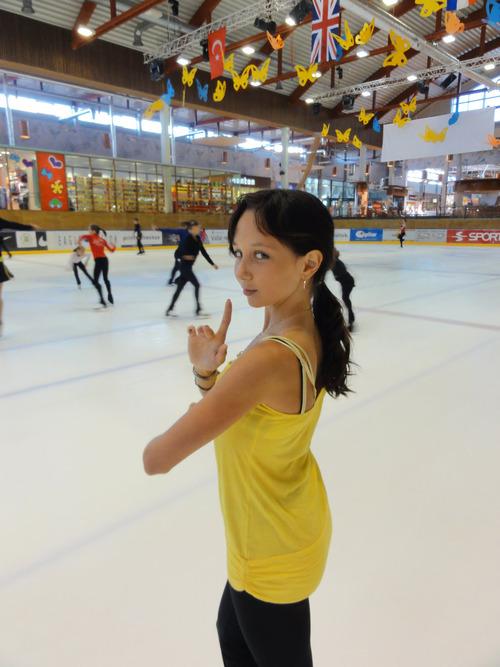 【ロシア】18才の美少女フィギュアスケーターが おっぱいポロリ♪゛【エリザヴェータ・トゥクタム...