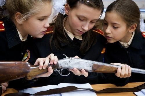 076-モスクワ第9士官候補生女子寄宿学校-04