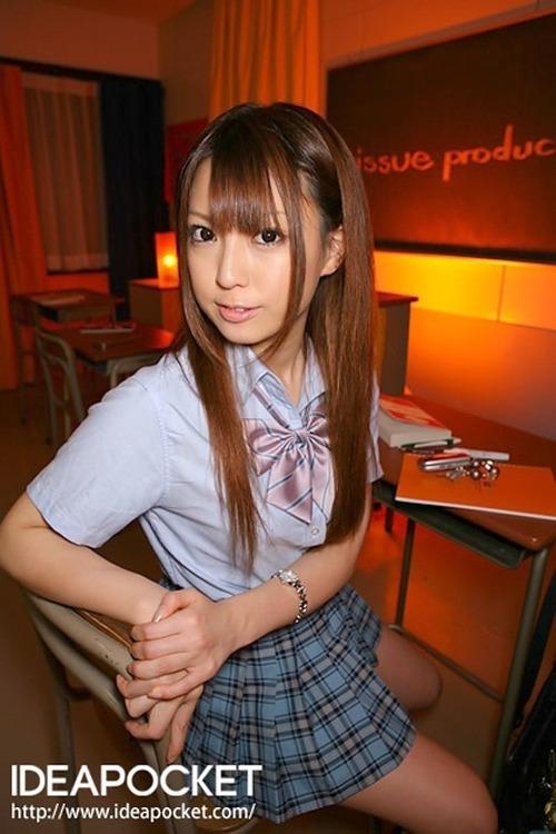 初美りおん-School-04