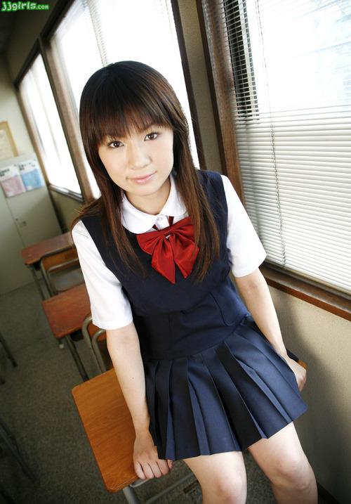 野中あんり-制服-06