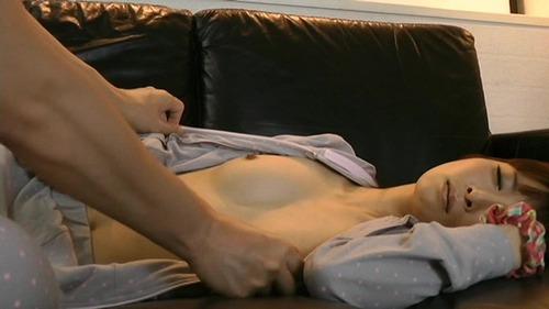 眠剤レイプ-02