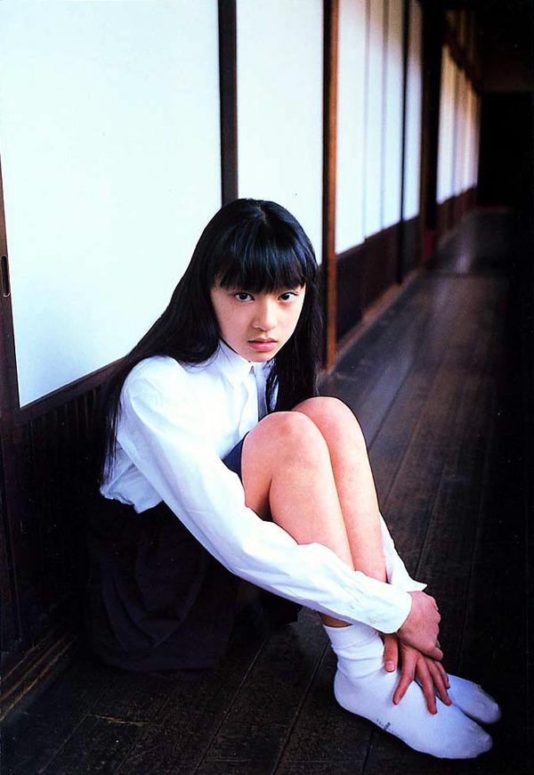 025-栗山千明-神話少女-04