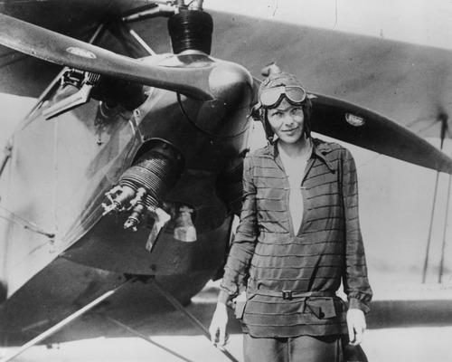 002-AmeliaEarhart