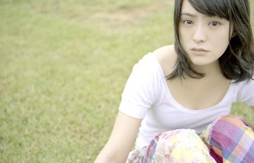 貫地谷しほり-2-09