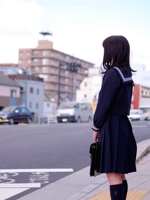 女子学生-image-04