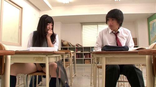 授業中に勃起-01