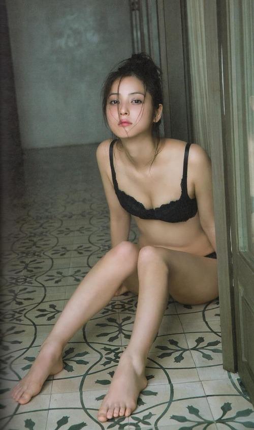 009-佐々木希-03