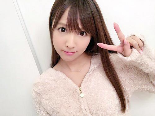 三上悠亜-image-3-01
