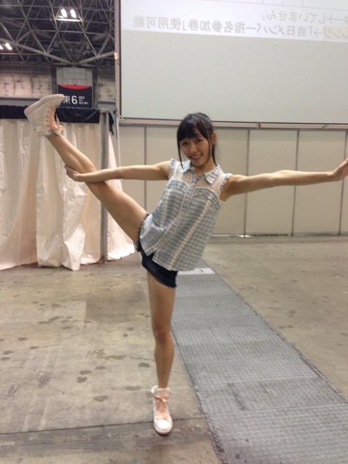 須田亜香里-柔軟-04