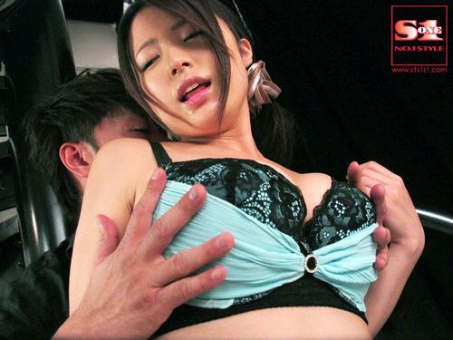 002-倉持結愛-08