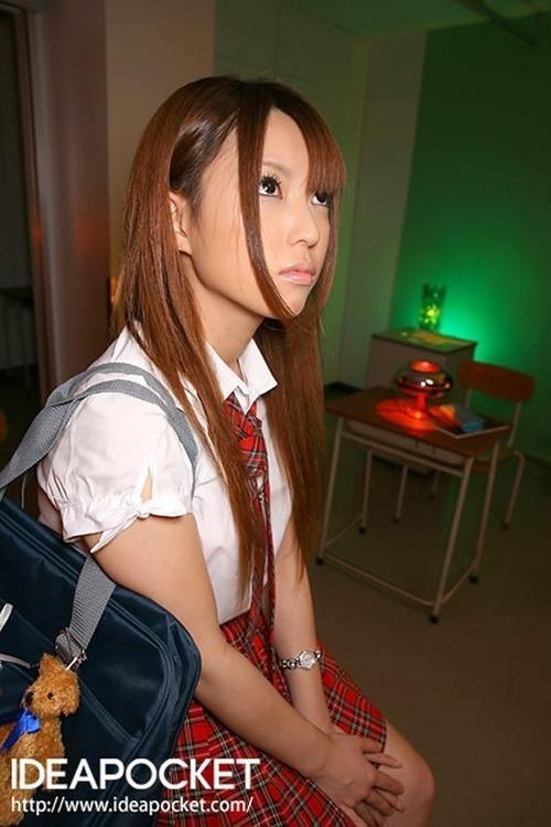 初美りおん-School-12