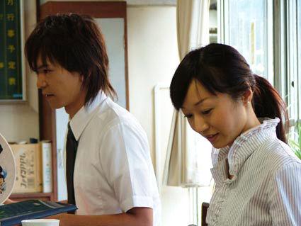025-鳩谷紗彩-03