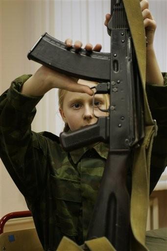 076-モスクワ第9士官候補生女子寄宿学校-09