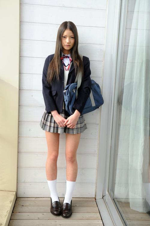この女子高生の パンツwwwwwwww【中島エマ .etc】